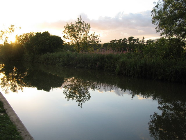 Sunset on the Kennet and Avon Canal
