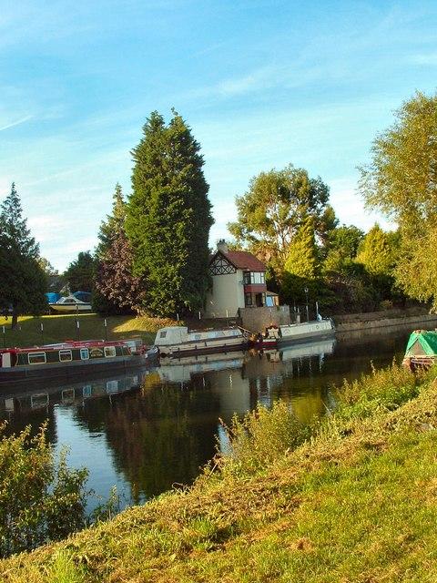 Slipway & house at Bidford Boat Hire, Bidford-on-Avon