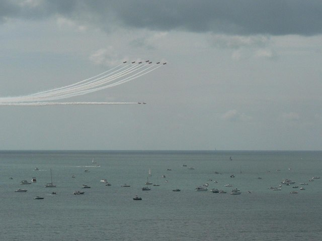 The Red Arrows visit Bournemouth: over the boats