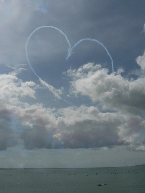 The Red Arrows visit Bournemouth: big-hearted