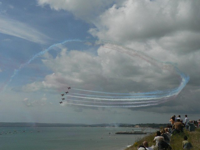 The Red Arrows visit Bournemouth: circling above the pier