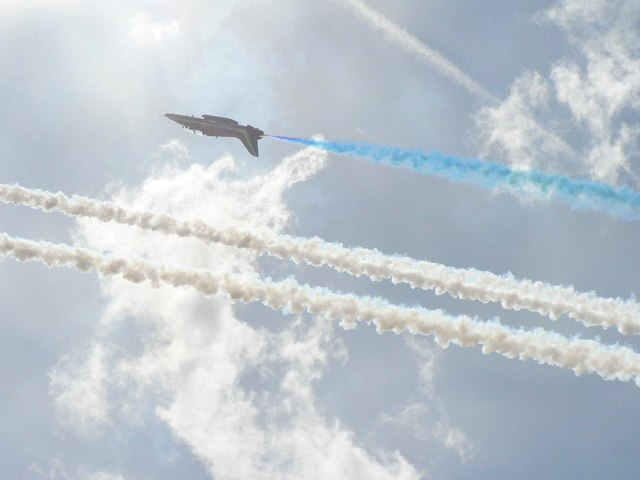 The Red Arrows visit Bournemouth: upside-down