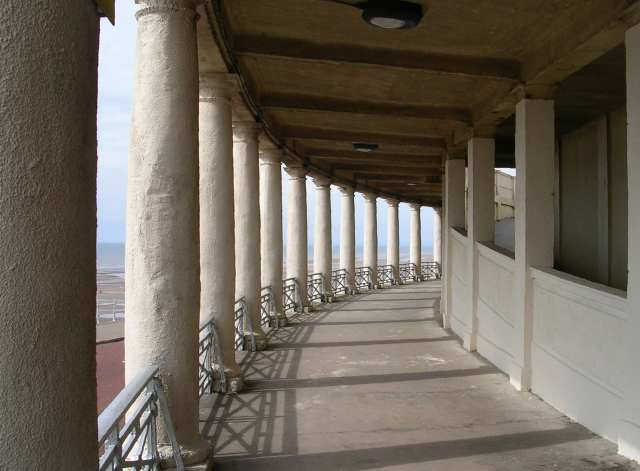 Middle Walk Colonnades