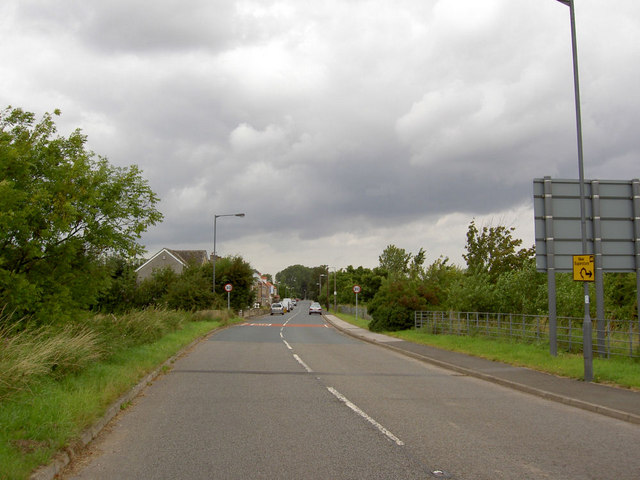 Entering Broomhill from the parkway.