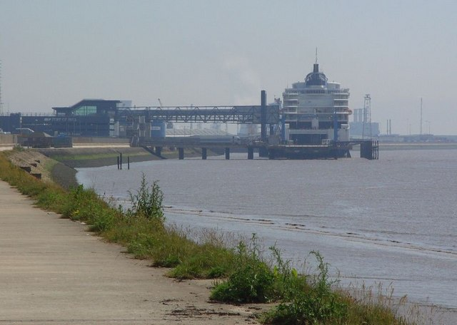 North Bank of the Humber beside Alexandra Dock.