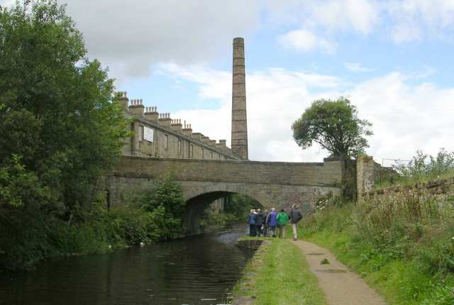 View along Towpath - Leeds/Liverpool Canal - Weavers' Triangle
