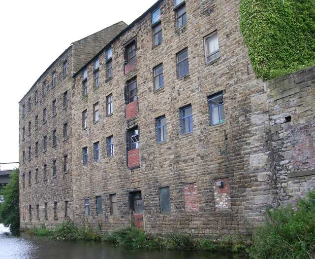 Warehouses - Leeds/Liverpool Canal - Weavers' Triangle