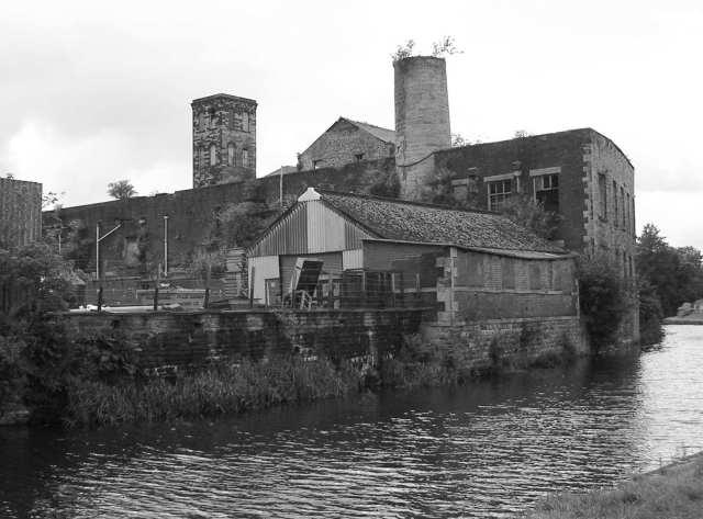 Industrial Dereliction - Weavers' Triangle - opp Oak Mount Mill