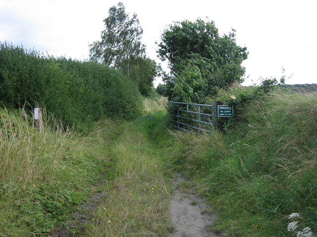 Inviting but not: private track of old railway, east of Hindolveston