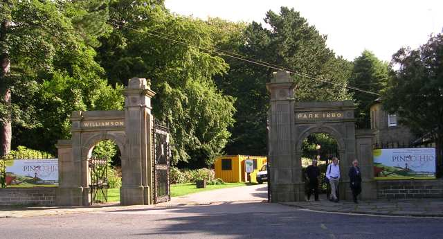 Entrance to Williamson Park - Wyresdale Road