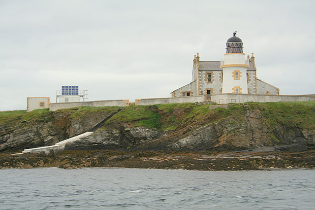 Saeva Ness lighthouse on Helliar Holm.