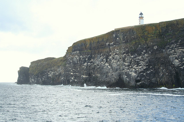 Copinsay Lighthouse en passant.