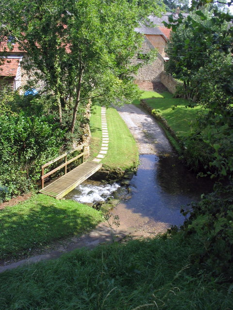 Ford and footbridge at Upton Manor Farm