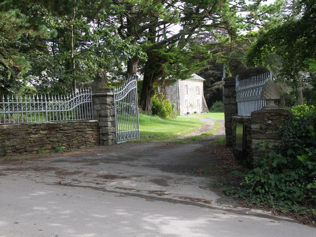 Driveway to Country House at Tredudwell.