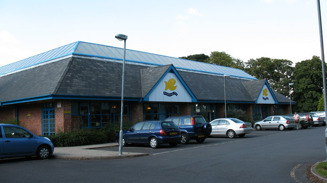 Knaresborough leisure pool gordon hatton geograph - Knaresborough swimming pool timetable ...