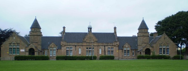 Low port primary school c tom sargent geograph britain and