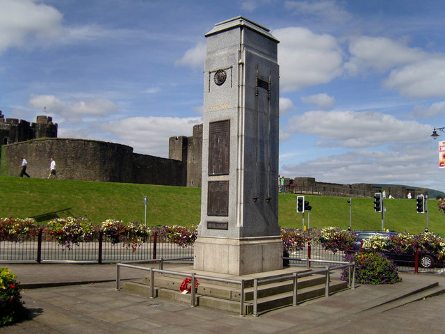 War Memorial, The Twyn