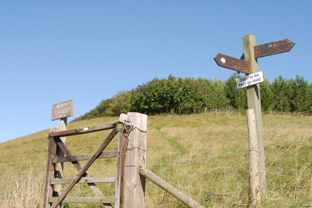 Centenary Way Gate near Thixendale