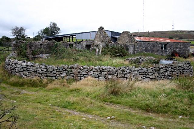 Farm Buildings near Gonamena