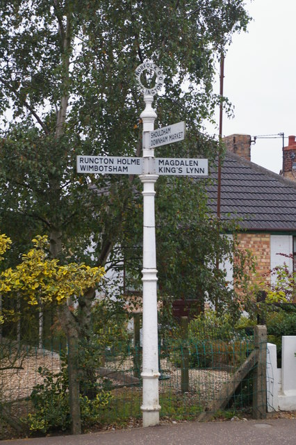Signpost in Watlington
