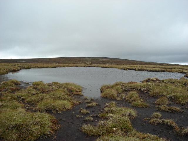 Lochan south of Meallan nan Uan
