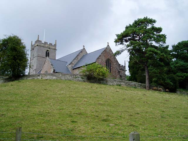 Retaining wall at St Peter's Church, Inkberrow