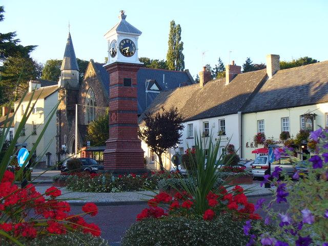 Usk Twyn Square