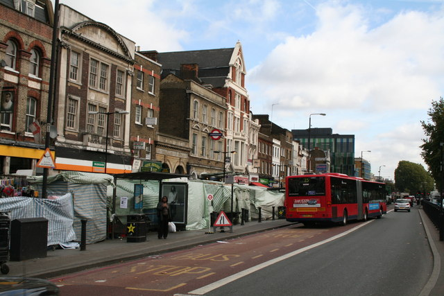 Whitechapel Road Looking East 169 Dr Neil Clifton Cc By Sa
