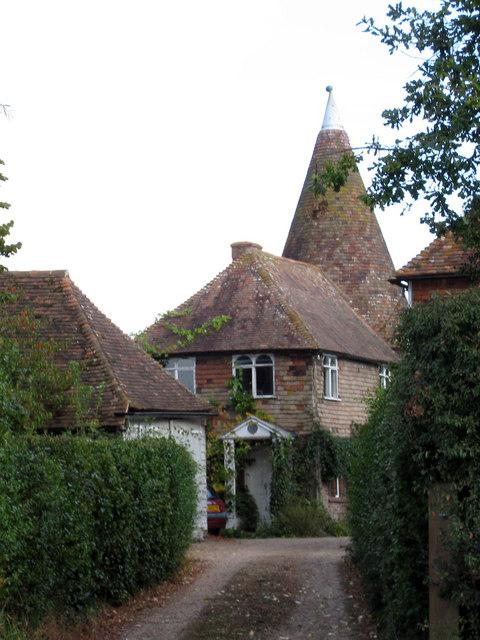 Pembles Cross Oast House Egerton House 169 Oast House