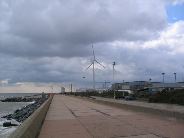 Lowestoft Wind Turbine:: OS grid TM5593 :: Geograph Britain and ...