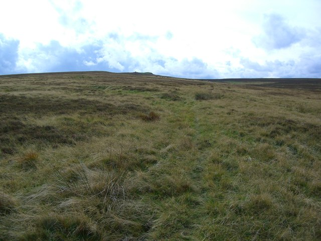 Faint track from Long Mire to the cairn at point 401 mtrs