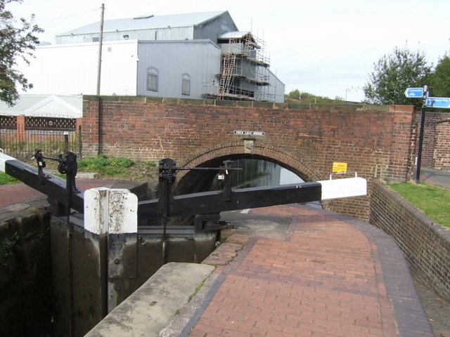 Birmingham Canal - Wolverhampton Lock 10 and Fox's Lane Bridge