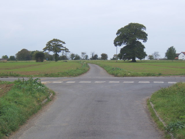 Road junction, looking across the B1113