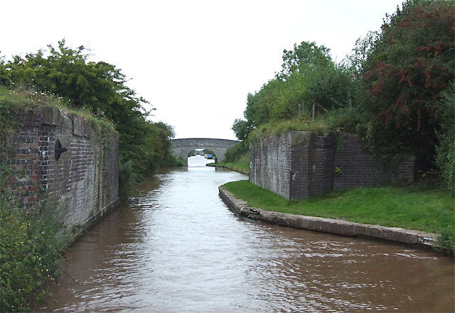 Shropshire Union Canal - old railway crossing