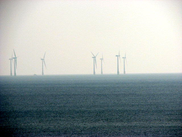 Long-distance view to Scroby Sands wind farm (1)