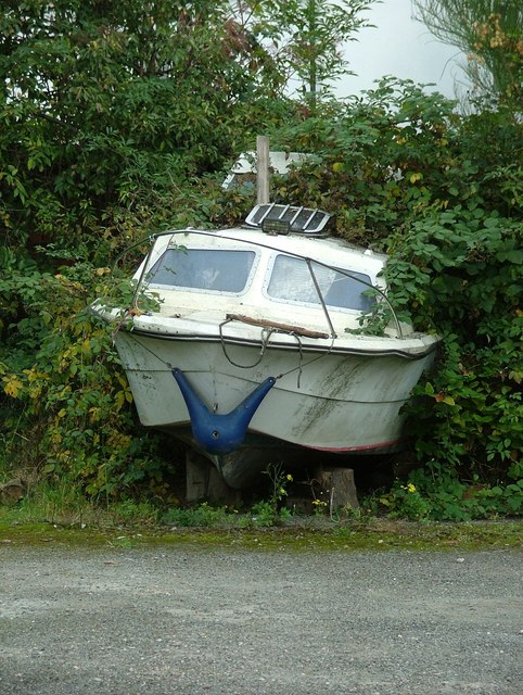 An abandoned boat at Shardlow