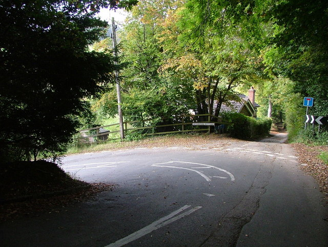 Hairpin bend leading to Flowers Bottom