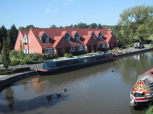 Private houses by the Worcester to Birmingham canal.