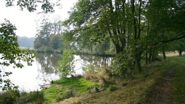 Fishing pond and footpath alan walker cc by sa 2 0 for Private fishing ponds near me