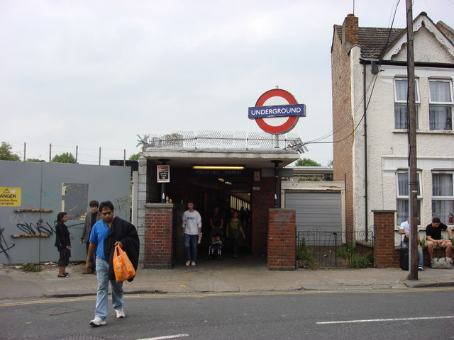 Southern entrance, Dollis Hill tube station:: OS grid TQ2285 ...