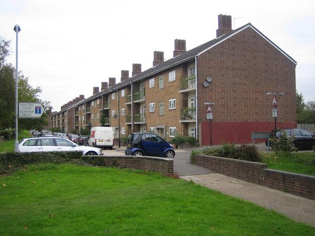Rayners Lane: Alexandra Avenue flats