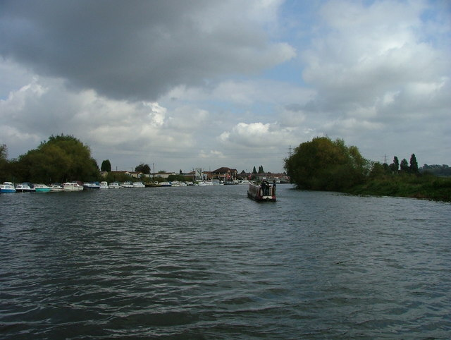 River Trent - approaching Beeston Marina