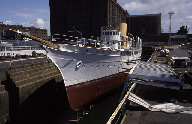 SY Nahlin, Clarence Graving Dock, Liverpool