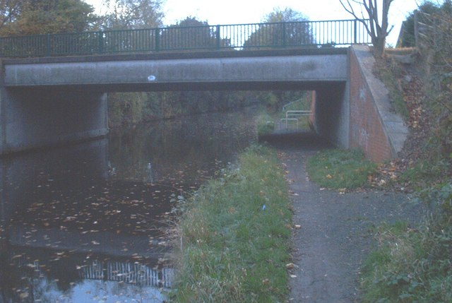 Road over Grand Union Canal