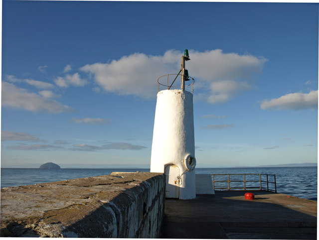 Girvan, South Harbour wall and lights