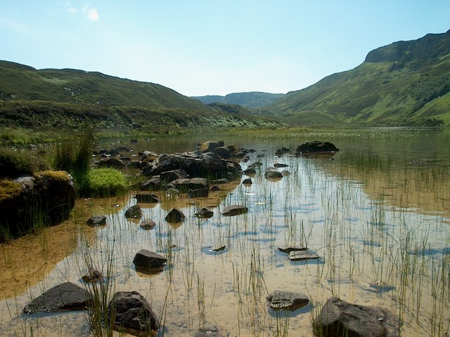Loch à Chadna charnaich
