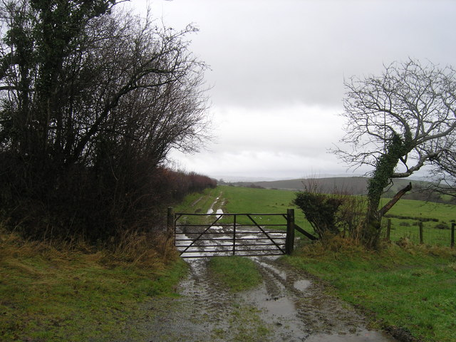 Footpath to Dol-y-felin