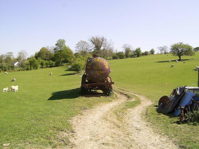 Disused trailer near Silian
