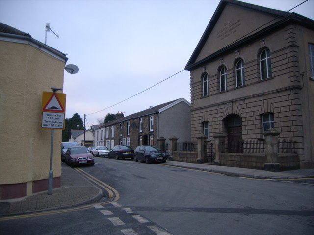 Church &amp; junction at Abercanaid