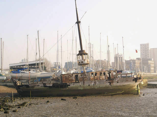 'The Gull' lightship - Grays